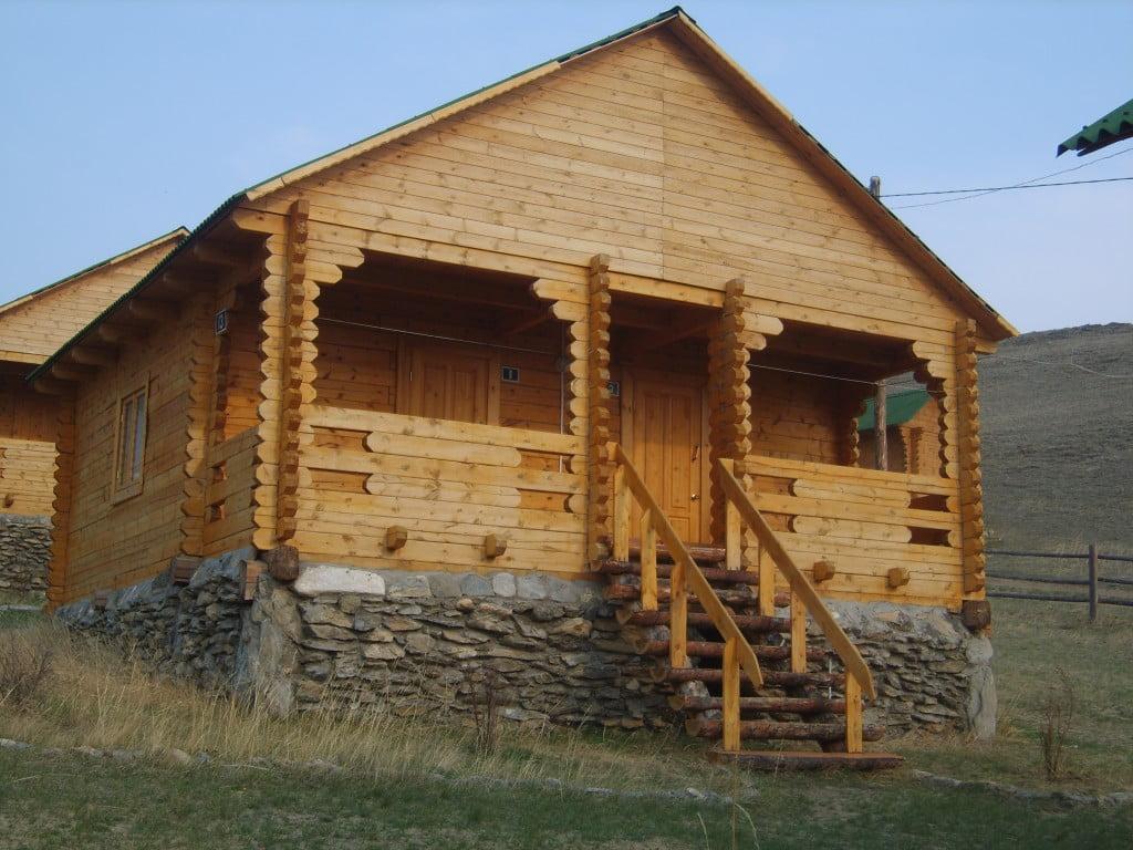 3-х местный благоустроенный однокомнатный номер в отдельно-стоящем  домике на два номера № 9/1 - № 18/2
