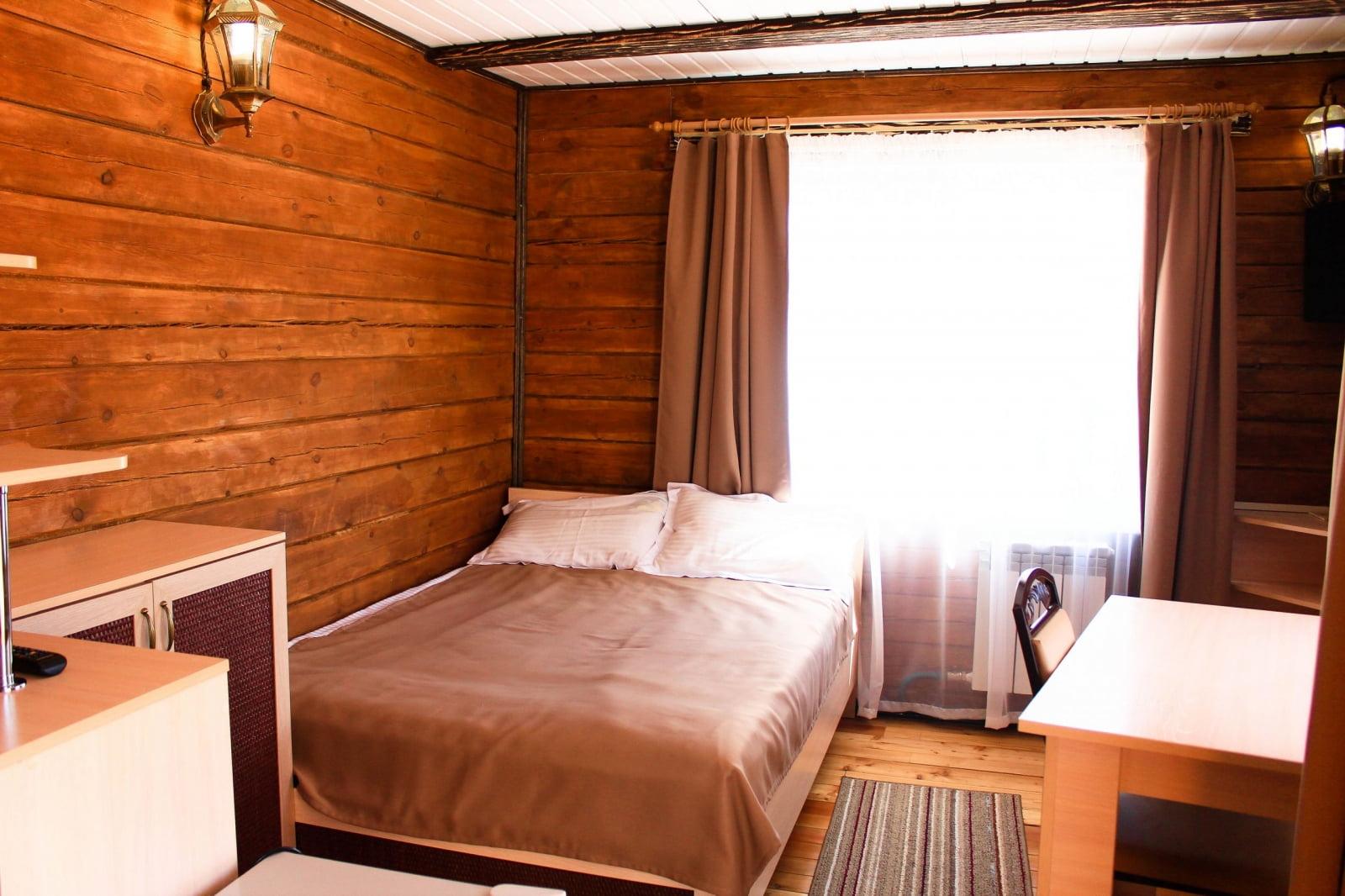 Гостиница «Нерпёнок», 2й этаж балкон без вида/балкон с видом