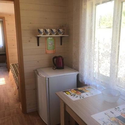 Дом с кухней благоустроенный №1,2 четырёхместное размещение