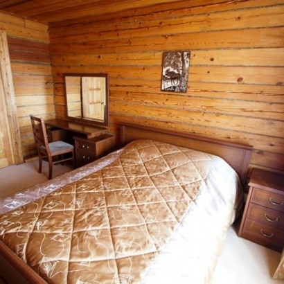 Одна комната двухкомнатного номера на 1 этаже (№7