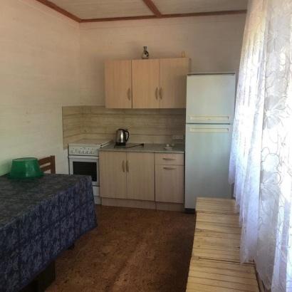 Дом с плитой в ограде №10 для десяти человек