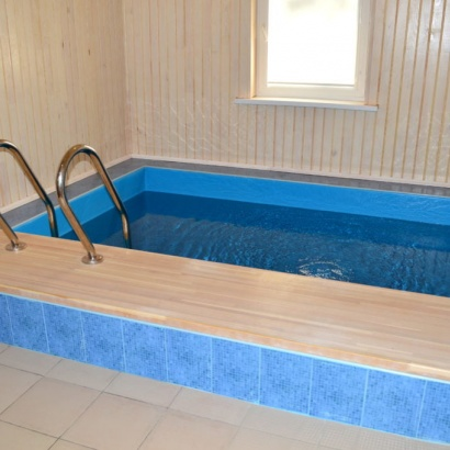 Коттедж на 4 человека с баней и бассейном