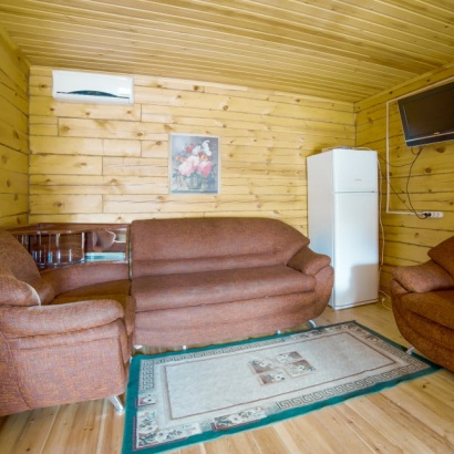 Апартаменты в коттедже «Люкс» 6(+2) местные с видом на озеро Байкал