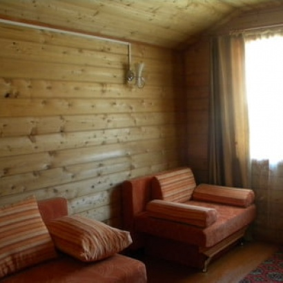 Благоустроенные домики бунгало 2-х комнатные с верандой до 5-ти человек