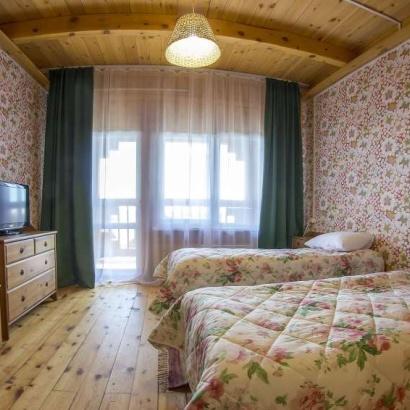 Номер «Комфорт» 2-х местный с видом на озеро Байкал